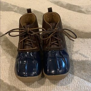 Ricki Brown Duck Boot size 12 boy